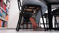 Cams4free.net - Candid Shoeplay in the Library