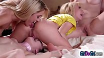 Tricked gfs demand stepsisses to kiss and scissor each other