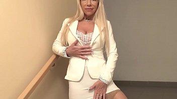 Super hot old blonde cougar sucking cock