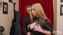 Marina se fait enculer c'est une surprise pour son mari