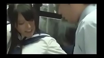 Japonesa gostosa dando no onibus