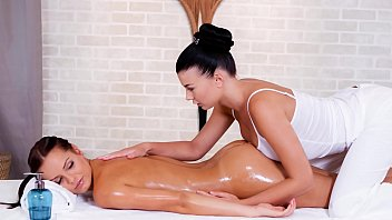 RELAXXXED - Nice European dyke massage in the sauna with Lucy Li