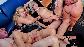 REIFE SWINGER - Wild mature German swingers fuck hard in dirty foursome