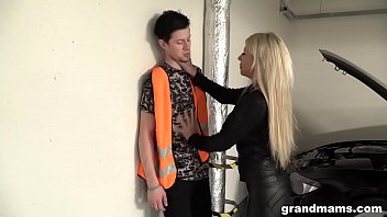 Old and rich leather dressed slut fucks the car repair guy 4 min