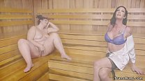 Fat babe gets banged by shemale in sauna 5 min