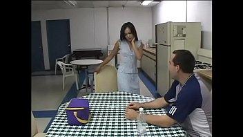Husky white man drills petite Filipino cutie Sabrina Maui on the kitchen table