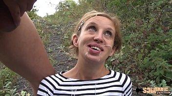 Cindy une mature passionnée de nature et de sodomie