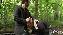 Shanael une cougar gourmande veut de la bite dans son cul