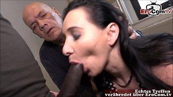 Alter cuckold ehemann sieht zu wie seine junge freundin vom schwarzen Schwanz gefickt wird