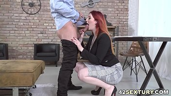 Squirter Boss Having Sex With Big Cocked Employee
