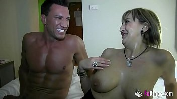 Mature POWER. Blonde MILF Maria gets banged by Mr. Marco Banderas in her hotel
