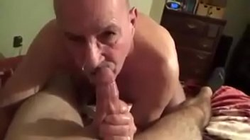 Sucking out a nice creamy cumload