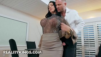 RK Prime - (Brooke Beretta, Scott Nails) - Working For Cummission - Reality Kings