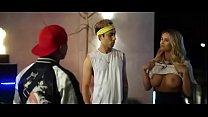 Kinsey Wolanski toples chica de chapions segundo video