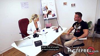 HITZEFREI Doctor Gabi Gold gets fucked by her patient