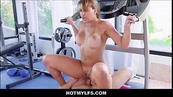 Hot Big Ass & Tits Latina MILF Seduces Boy At Gym