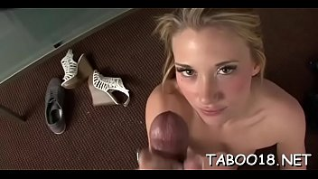 Glorious beauty Shelby Paige cums while riding