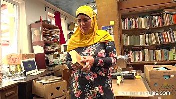 Bookstore owner fucks a happy muslim milf 8 min