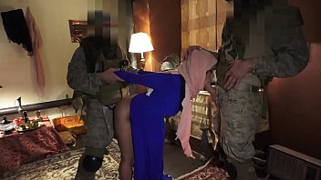 TOUR OF BOOTY - Local Arab Prostitue Servicing American Soldiers In Middle East 6 min