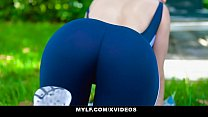 MYLF - Toned Milf (Lexi Luna) Gets Hot And Sweaty With BWC