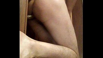 nice amateur gay butt plays with her ass&gay amateur joue avec son cul