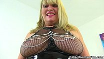 British gilf Alisha Rydes loves teasing in latex