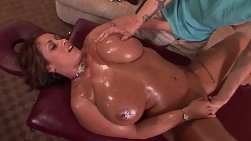 married milf during a massage pulls down the zip and gives a blowjob 34 min