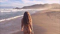Cenas fantásticas da praia de naturismo mais linda do Brasil