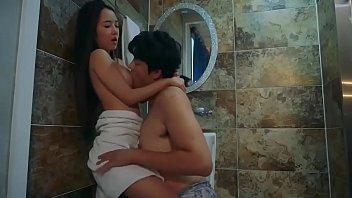 Korean Bathroom sex XOXO