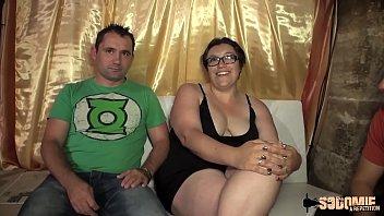 Rita se fait défoncer par un jeune devant son mari