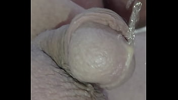 Small dick pee without hands