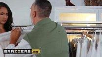 (Bella Rolland, LaSirena69, Keiran Lee) - Disciplining Their Sugar Daddy - Brazzers