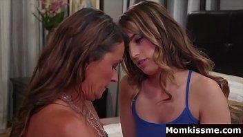 Stepmom seduce by daughter 6 min