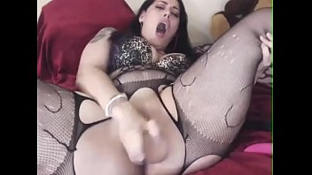 Screaming loud girl cumming on cam 11 min