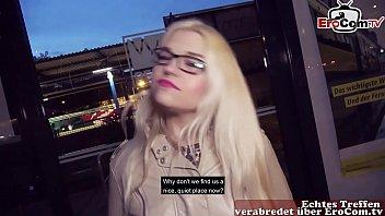 Deutsche Mollige dicke Teen Flirt auf Straße und dann abgeschleppt zum EroCom Date Outdoor