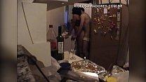 garoto investe em garrafa de vinho e recebe sexo com morena b. de retorno