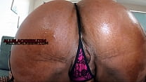 SEXY THICK CHOCOLATE CAKES