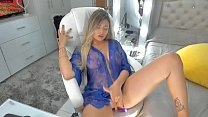 Super sexy latina enjoys herself and masturbates