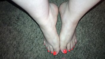 Mini Cumshot on hot sexy feet (Feet Cumshot) 75 sec