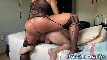 Priscila Araújo devorando cu.