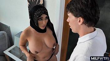 Arab MILF pussy 8 min