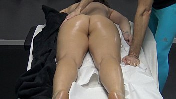 Husband made a massage gift to her wife with the desire the masseur to fingering her pussy ! Horny Housewife went to the appointment for massage without panties!