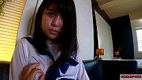 人生初潮吹き!大洪水のツルピタ 瞳の大きな可愛いぴちぴち18歳が学生服で20回以上のイキ祭り。ちびっこ体型貧乳ちっぱいさんスカートに正常位で中出し。個人撮影 ハメ撮り オリジナル セーラー服 学生 アヘ顔 アクメ 会話 手マン ver まお 6 OSAKAPORN