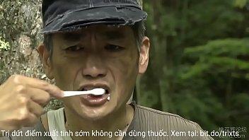Giáo sư rủ học trò vào rừng xoạc