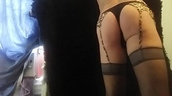 bottom in lingeries play with is ass ! need to get fuck !