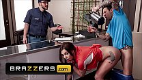 Busty (Gabbie Carter) Getting Multiple Orgasms From Sex Aficionado And Café Owner (Small Hands) - Brazzers