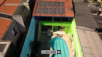 Vídeo incrível de DRONE em São Paulo que flagra casal fodendo ao lado da piscina - 4K