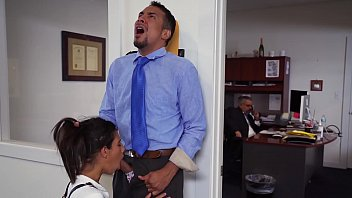 DON'T FUCK MY DAUGHTER - Teen Victoria Valencia Visits Daddy At Work, Takes Dick From His Employee 11 min