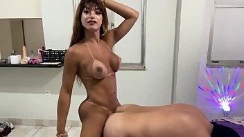 Priscila Araújo se delícia fudendo cu do puto .