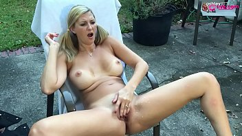 Outdoor Squirt show 10 min